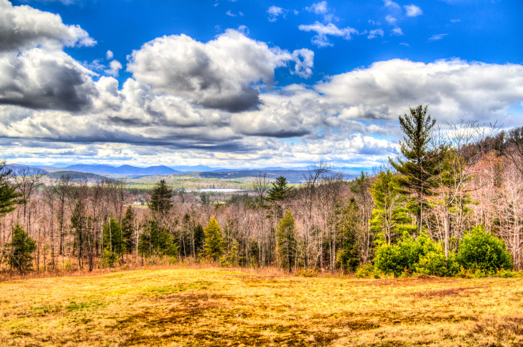 Landscape photo of a mountain range in NH