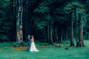 wedding photo in the woods on new hampshire