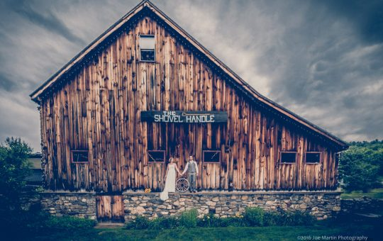 Wedding at Whitney's Inn & Shovel Handle Pub | New Hampshire Wedding