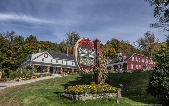 Advice for New Hampshire Brides Wanting the Best Christmas Farm Inn & Spa Wedding | Wedding Venues in New Hampshire