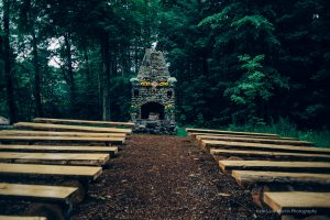 ceremony space at whitney's inn -Best New Hampshire wedding venues
