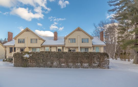 Exterior images of a North Conway rental property